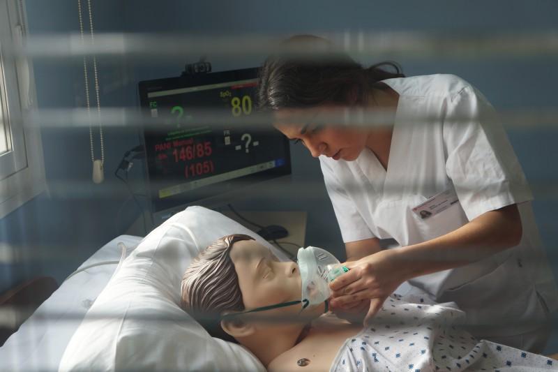 Grado en Enfermería - Centro Universitario de Enfermería de Cruz Roja